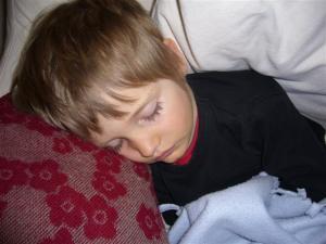 Niño durmiendo terrores nocturnos