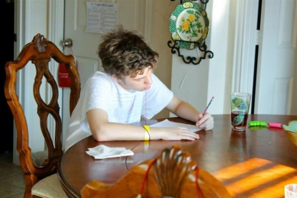 Debate sobre los deberes escolares