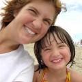 Madre e hija contentas