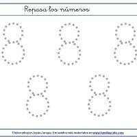 Fichas para escribir números, el ocho en tamaño grande con puntitos