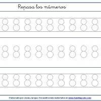 Fichas para escribir números, el ocho en tamaño medio con puntitos