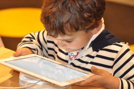 Los niños de la tablet, artículo de Jesús Jarque